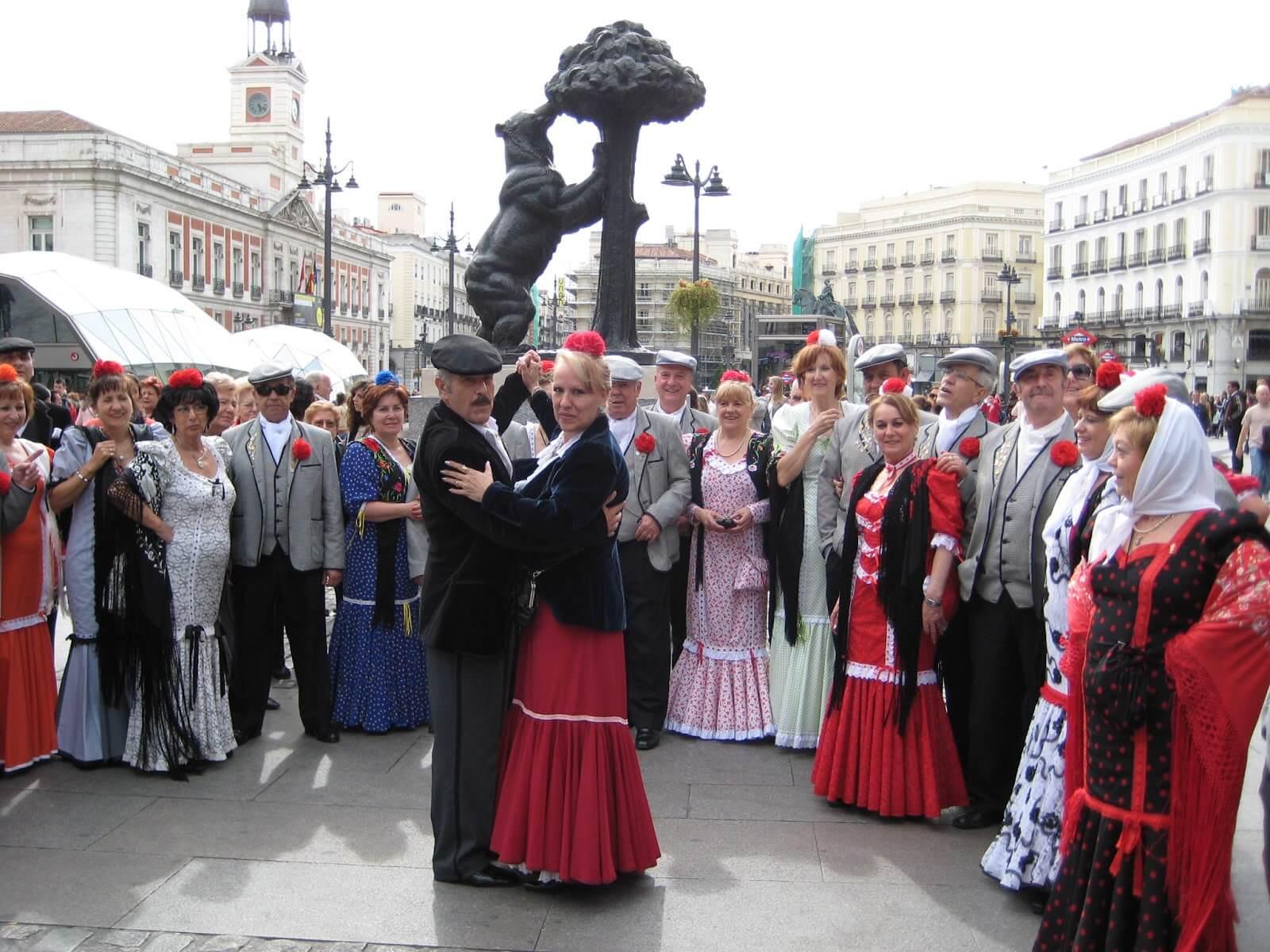 Chulapos na Puerta del Sol