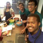 Lucas Pereira, posando no curso de culinária