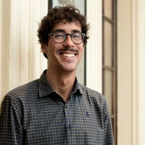 弗朗西斯科·富恩特斯 (Francisco Fuentes)