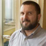 Emil Grapa, encargado de reservas y atención al cliente