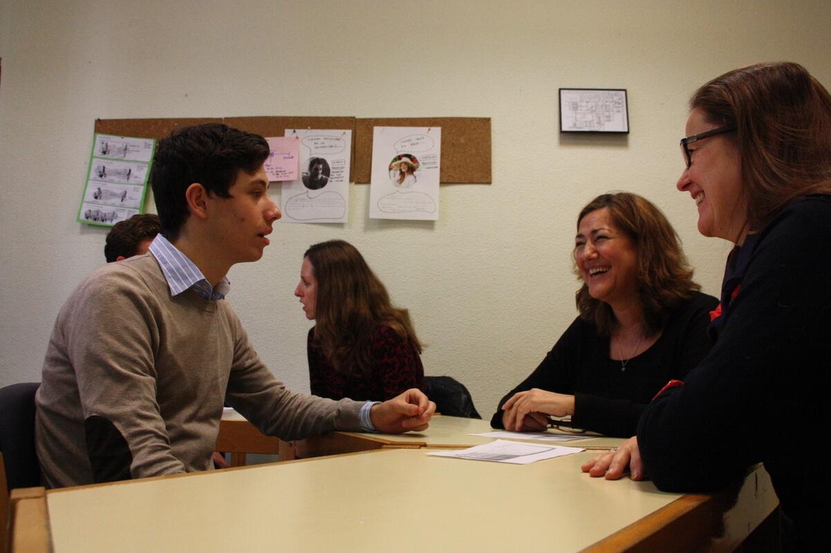Tandem language exchange at classroom
