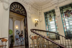 TANDEM Madrid, another view of the entrance and stained windows